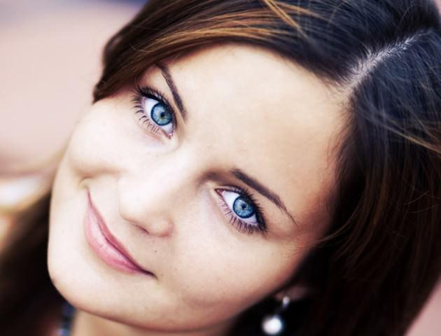 Голубые волосы голубые глаза фото