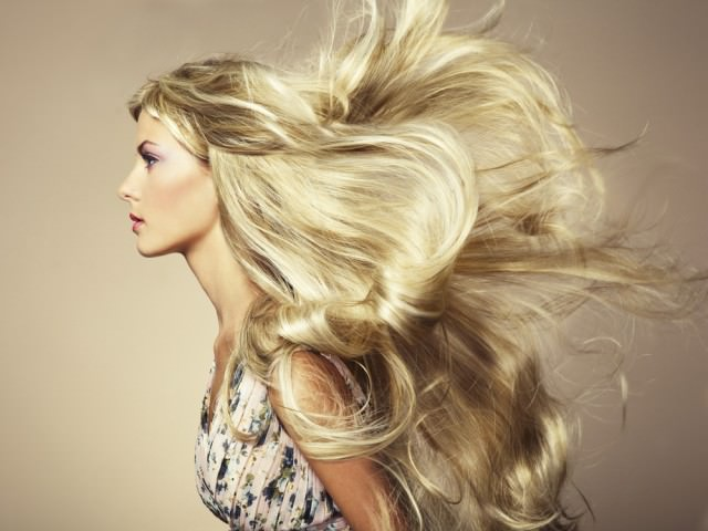 В12 распылять на волосы