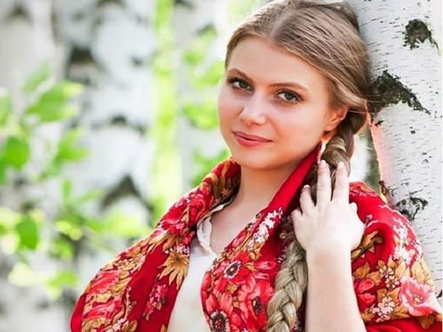 Русская красавица с косой