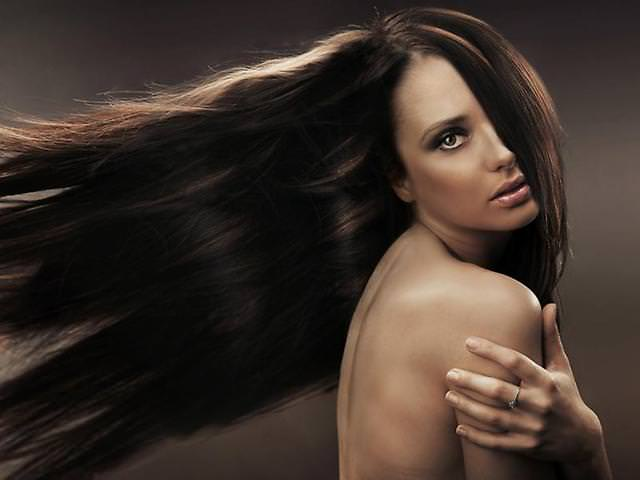 Правильный уход за волосами, полученными наращиванием