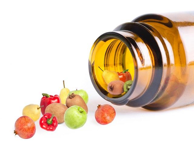 Витамины в виде фруктов и овощей