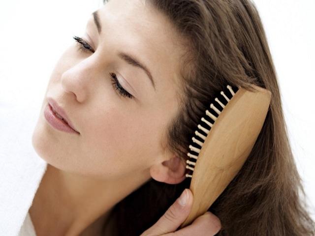 Расчесывание для отращивания волос